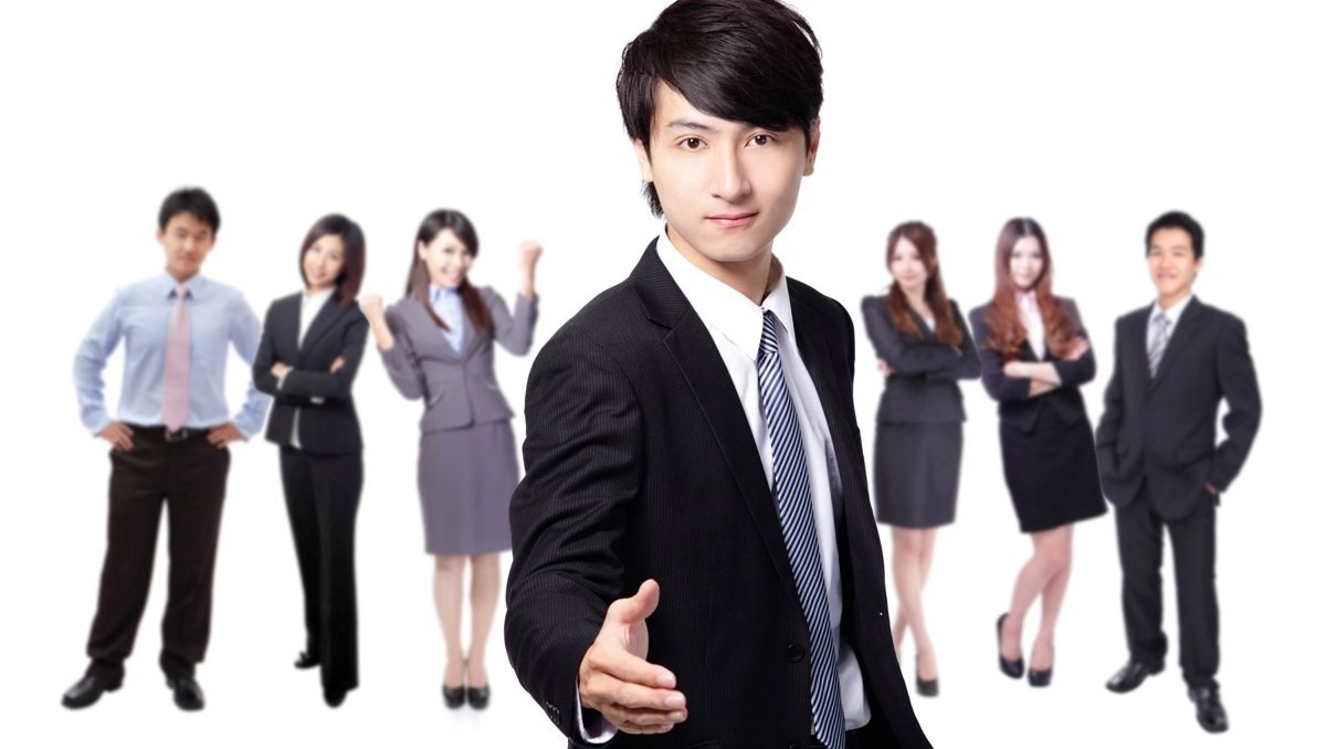 Give the right first impression when meeting foreigners